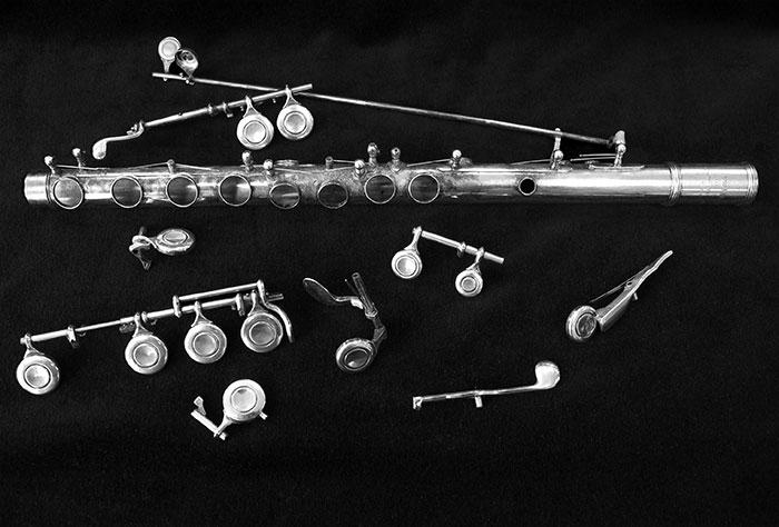 Dwarsfluit Reparatie - gedemonteerde fluit
